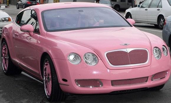 Pink2Paris-Hilton-in-her-Bentley
